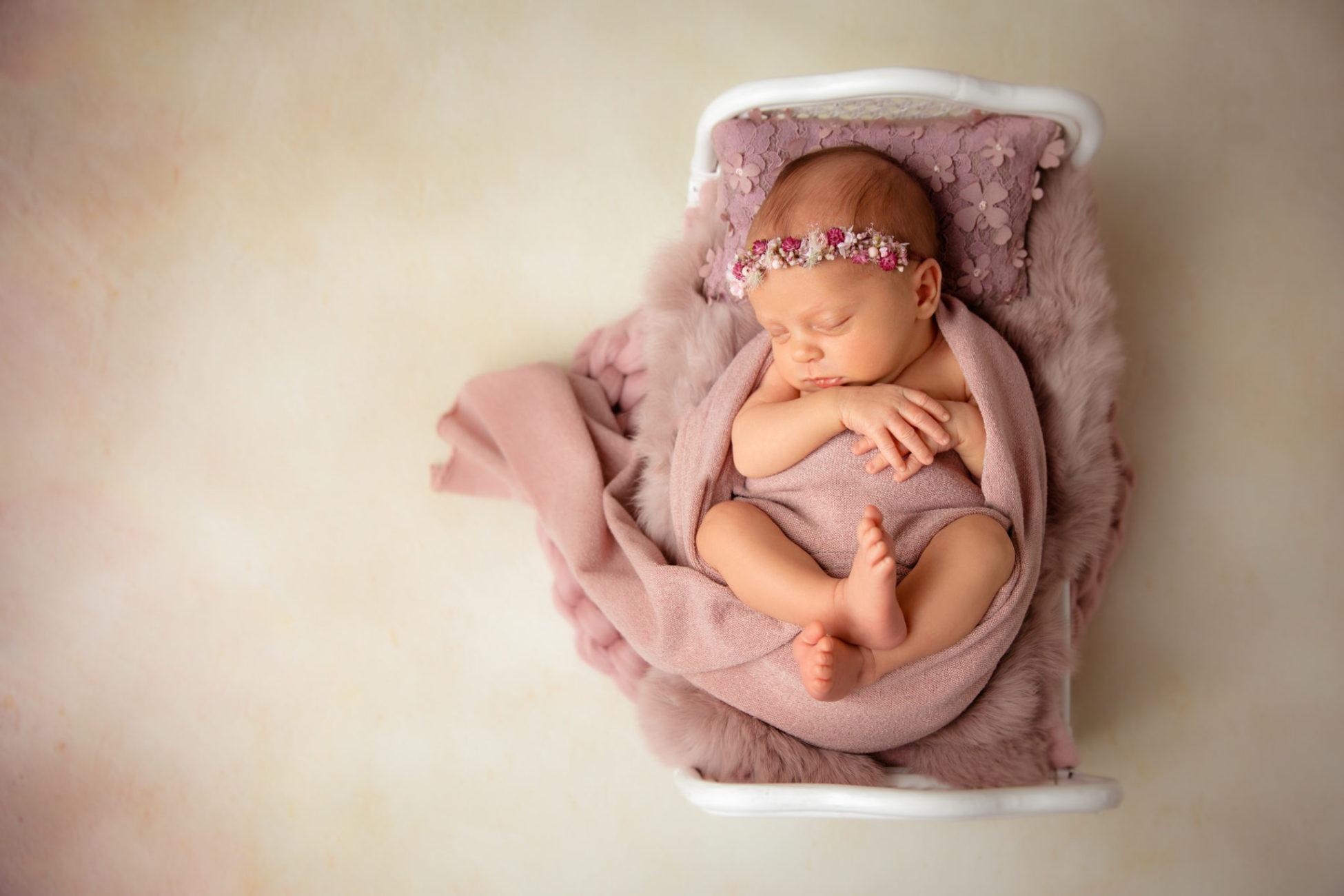 Stefanie Fleischmann Newborn Fotografie
